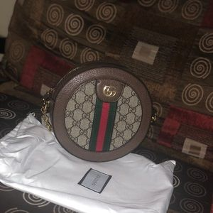 Gucci small round shoulder bag